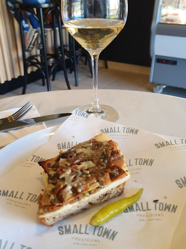 Small Town Provisions,Small Town,Casual dining,wine bar,Milton,mollymook beach waterfront,destination mollymook milton ulladulla