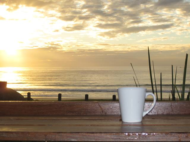 Mollymook beach hut cafe,Beach Hut Café,mollymook,Beach,cafe,eating out