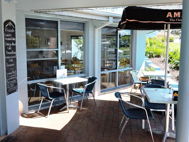 Mollymook,breakers cafe,breakers,cafe,beach,eating out
