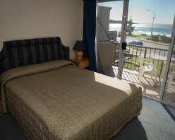 mollymook shores motel,shores,mollymook golf,mollymook accommodation,motel